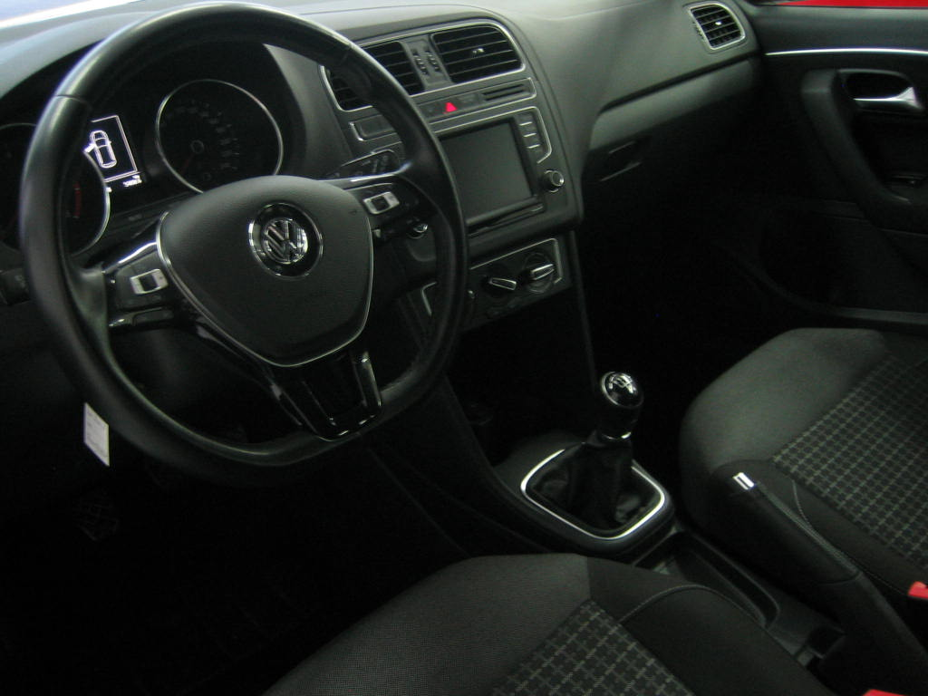 VOLKSWAGEN POLO 1.2 TSI-PLUS_5
