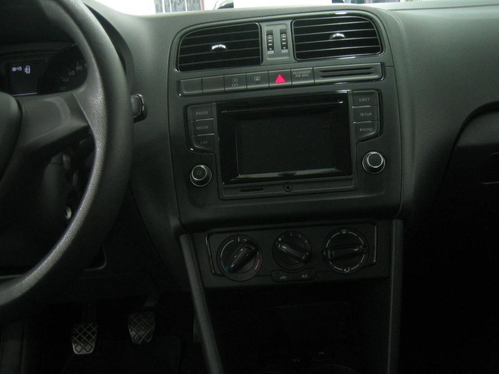 VOLKSWAGEN POLO 1.0-EDITION_6