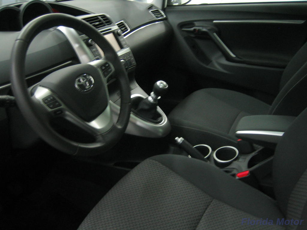 TOYOTA VERSO 1.6---ADVANCE- 7 PLAZAS_5